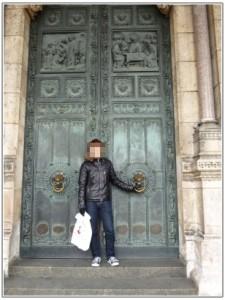 サクレクール寺院の門