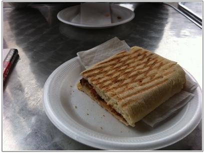 シャーロックホームズ館の近くで食べた昼食
