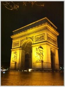 凱旋門のライトアップ